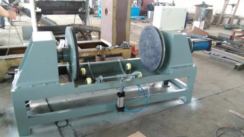 Welds leakage testing machine