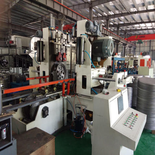 assembly and seaming machine